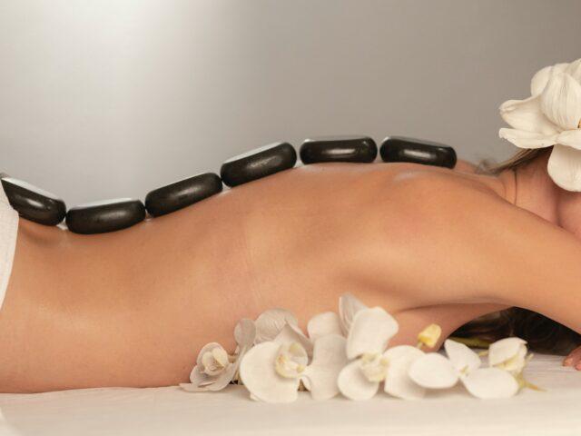 Hot Stone Massage genießen